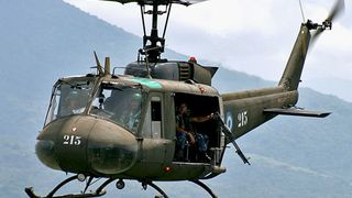 Bell UH-1 Iroquois (Final Version) (By Lixyss )