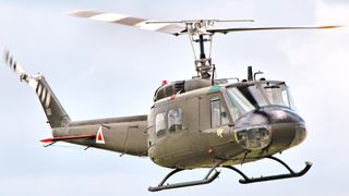 Bell UH-1 Iroquois (By: Lixyss )