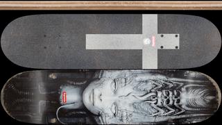 Supreme X H.R.Giger Li II- Foil Variant Deck+Grip